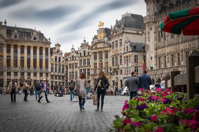 Découvrez la campagne Human Monuments de Thalys 1