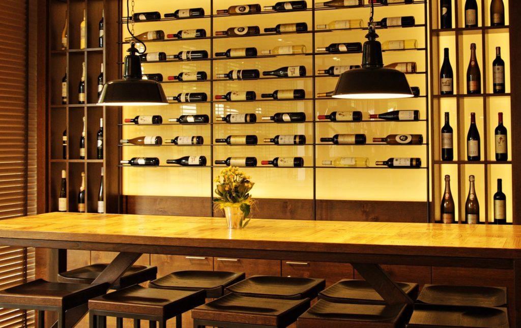 Dégustez et achetez des vins avec le site chais d'oeuvre.